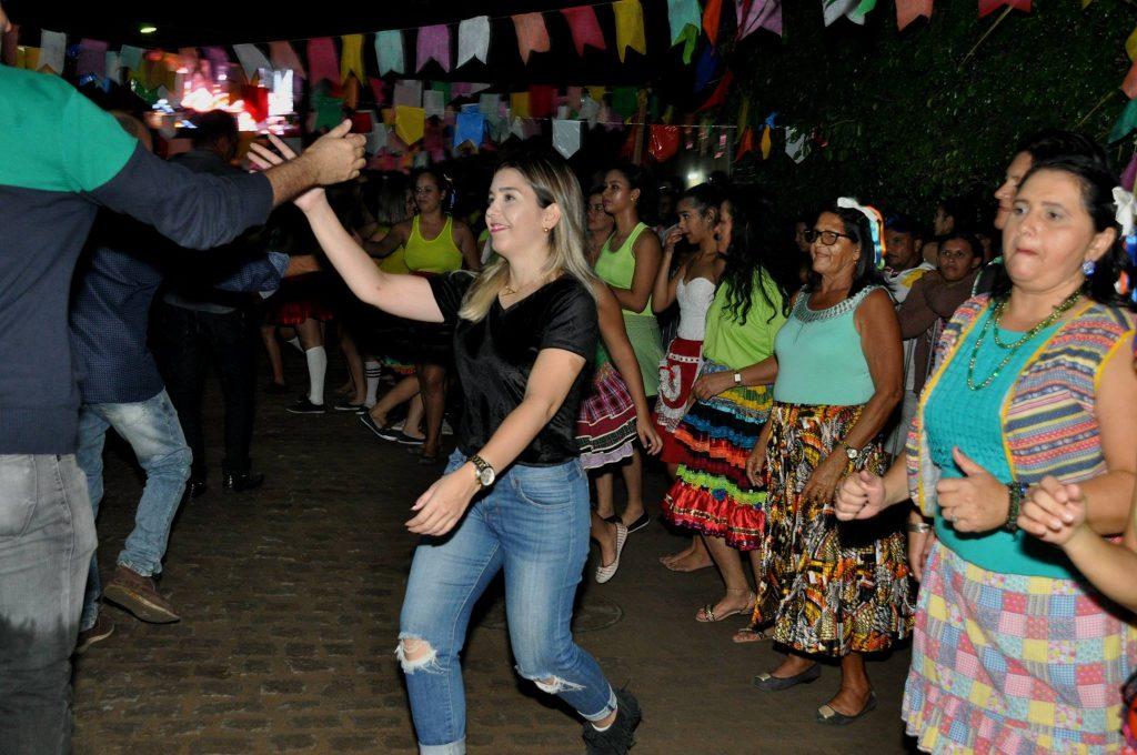 19223005_1899993043607219_3736329500913600403_o-1024x680 OPIPOCO mostra como foi a Terceira noite do festival de quadrilhas em Monteiro. Confira Imagens