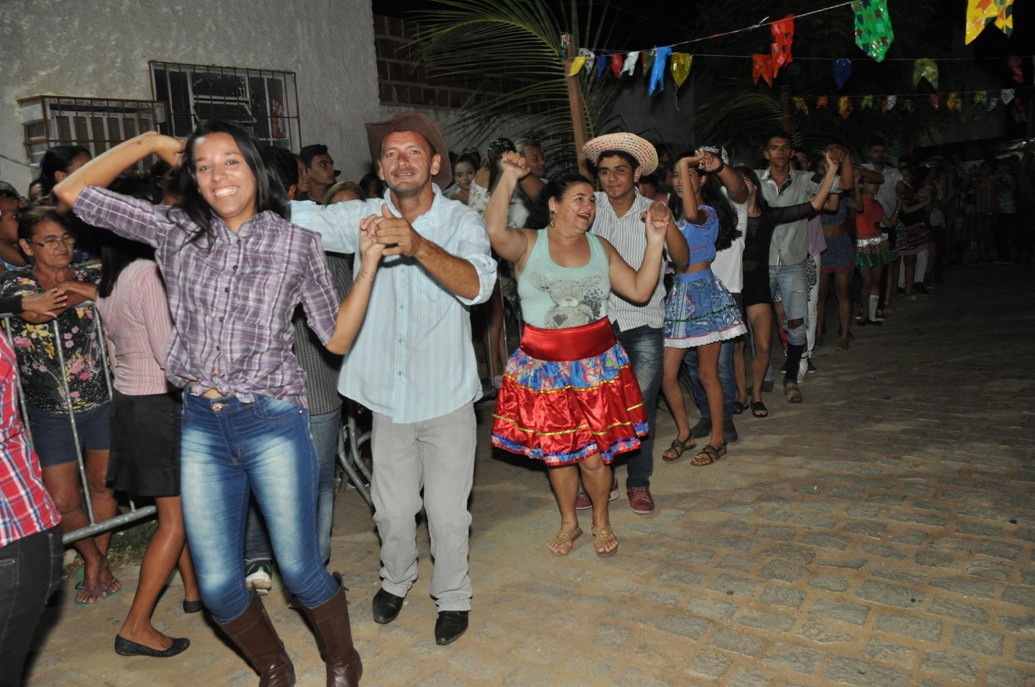 19237888_1899329503673573_7218563454634647858_o-1024x680 OPIPOCO mostra como foi a Segunda noite do festival de quadrilhas em Monteiro. Confira Imagens