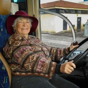 a-argentina-sara-vallejo-viajara-pela-america-do-sul-em-seu-motorhome-1497534622993_v2_450x450 Idosa vende tudo para viajar pela América do Sul