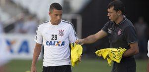 arana-300x146 Com medo do mercado da bola, Corinthians cria escudos para segurar trio