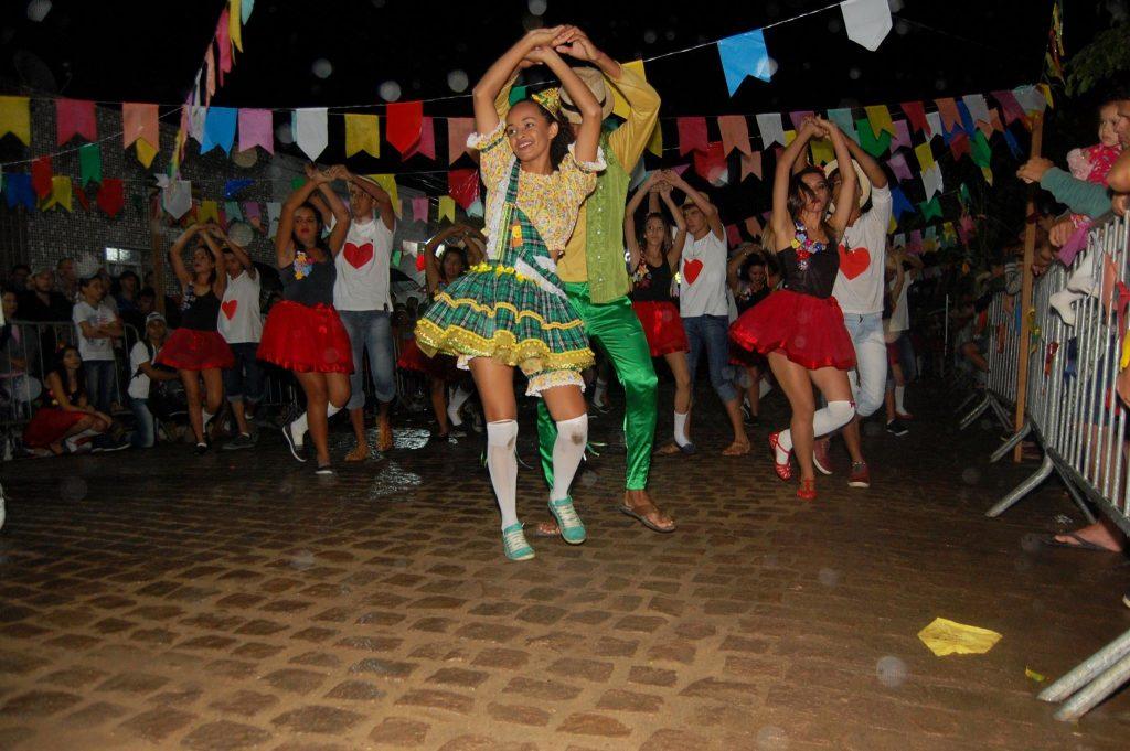 quadrilha-1024x681 OPIPOCO mostra como foi a Terceira noite do festival de quadrilhas em Monteiro. Confira Imagens