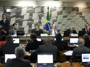 reforma-trabalhista-300x225 Comissão do Senado conclui votação da reforma trabalhista sem alterações