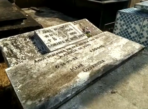 restos-mortais-de-mane-garrincha-300x221 Restos mortais de Mané Garrincha somem de cemitério no Rio de Janeiro