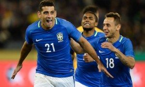 x20170613071614_593fbb6e8d869.jpg.pagespeed.ic_.hMTl76UZrB-300x180 Com direito a gol relâmpago, Brasil vence Austrália por 4 a 0