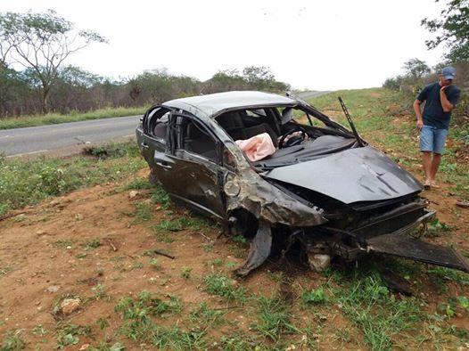 19248096_1125580914210439_1741707757338891029_n-1 Acidente de carro deixa vítima fatal e duas pessoa feridas no Cariri