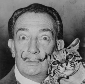 dali-1-300x295-300x295 Exumação revela bigode intacto de Salvador Dalí
