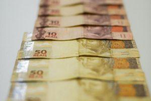 1079883-01.02.2017_mcajr-12-7-300x201 Contas públicas têm déficit recorde de R$ 16,138 bilhões em julho