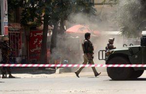 31072017170154-300x193 Homem-bomba do Estado Islâmico explode a embaixada do Iraque em Cabul