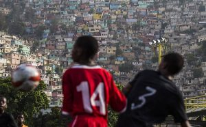 Após-13-anos-Brasil-deixa-o-Haiti-entre-paz-frágil-e-miséria-300x186 Após 13 anos, Brasil deixa o Haiti entre paz frágil e miséria