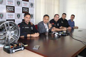 Três-ex-policiais-são-suspeitos-de-matar-radialista-Ivanildo-Viana-300x200 Três ex-policiais são suspeitos de matar radialista Ivanildo Viana