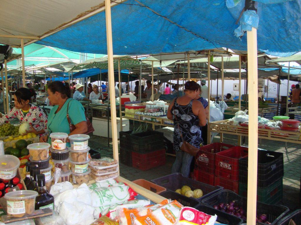 feirra-livre-monteiro-14-1024x768 A feira livre da cidade de Monteiro