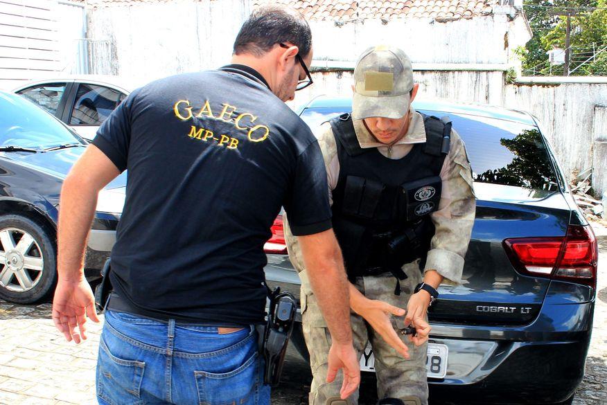 gaeco_walla_santos Vereador e suplente de Santa Rita são presos acusados de fraudar licitações e lavagem de dinheiro