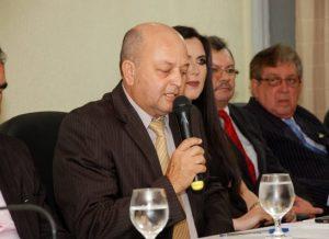 timthumb-10-1-300x218 Delegada da Mulher e outras autoridades recebem título de cidadania monteirense. Confira as Imagens
