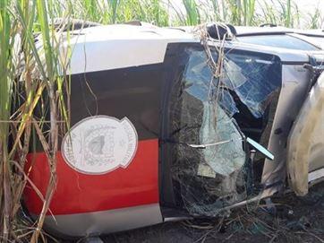 viatura Viatura capota durante perseguição e deixa policiais militares feridos, na Paraíba