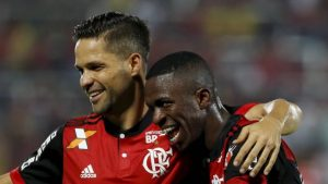 vinicius-junior-flamengo-300x169 Com show de Vinicius Jr., Flamengo vence o Atlético-GO por 2 a 0 na Ilha do Urubu