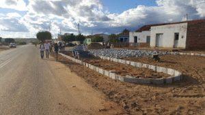 zab1-300x169 Prefeitura de Zabelê executa obras de calçamento na rua Severino Belo