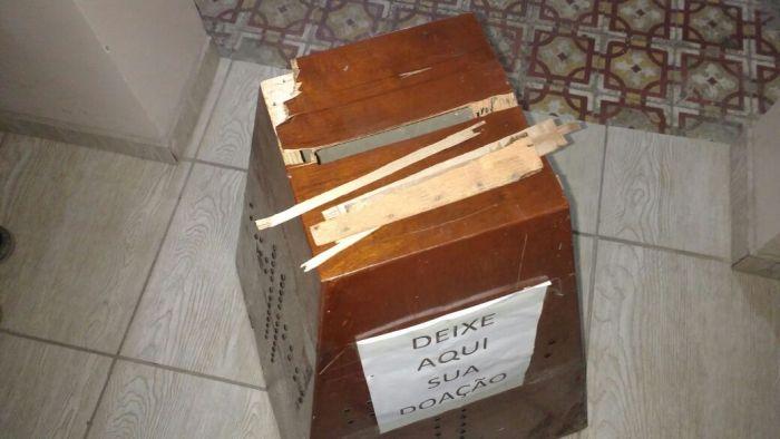 1da65921d5015ec913b9e82fb9a399a2_L Ladrões invadem Igreja em Sertânia e arrombam cofre