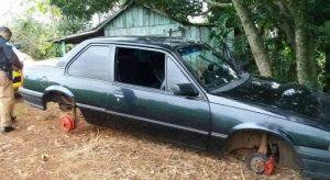 images-5-300x164 Em Monteiro: Carro furtado é encontrado abandonado sem rodas e bateria.