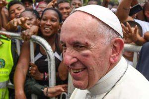 papa_ferido_-_colombia-1-300x200 Papa Francisco é ferido no rosto durante visita a Cartagena
