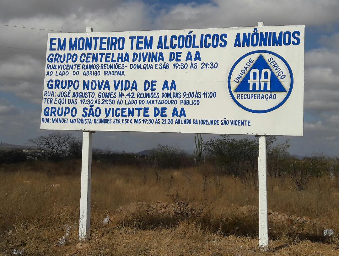 95f49c4a-cf5a-45bf-b5d7-3de61dba7d86 AA de Monteiro presta Serviço de Informação ao público através de outdoor