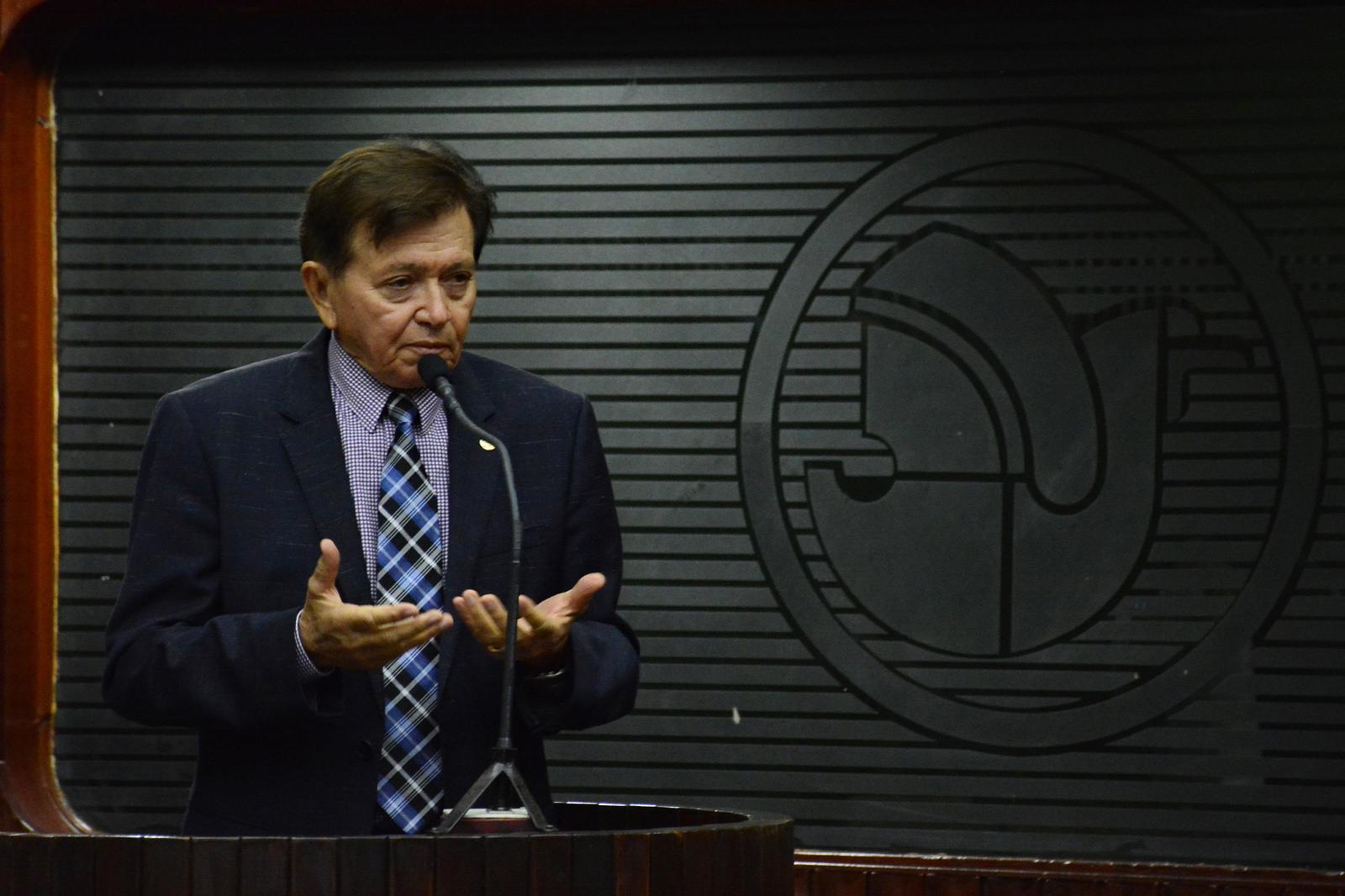 JOAO-HENRIQUE Deputados aprovam último projeto de João Henrique na CCJ e prestam homenagem