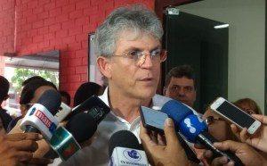 """Ricardo-Coutinho-1-e1509384754695-300x186 RC diz que Manoel Jr. deveria estar preocupado em ser vice-prefeito e ironiza: """"Isso se Cunha não delatar"""""""