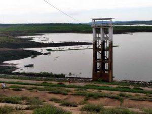 acudes-pb-300x225 Seca compromete 70% dos açudes da PB e cidade tem água até esta quarta