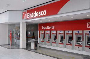 banco-do-bradesco-300x199 Funcionalismo municipal de Monteiro é beneficiado com suspensão de consignados já neste mês