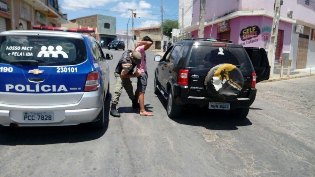 carro-roubado-em-monteiro-1024x575 Veículo roubado em Monteiro é recuperado em Sertânia-PE