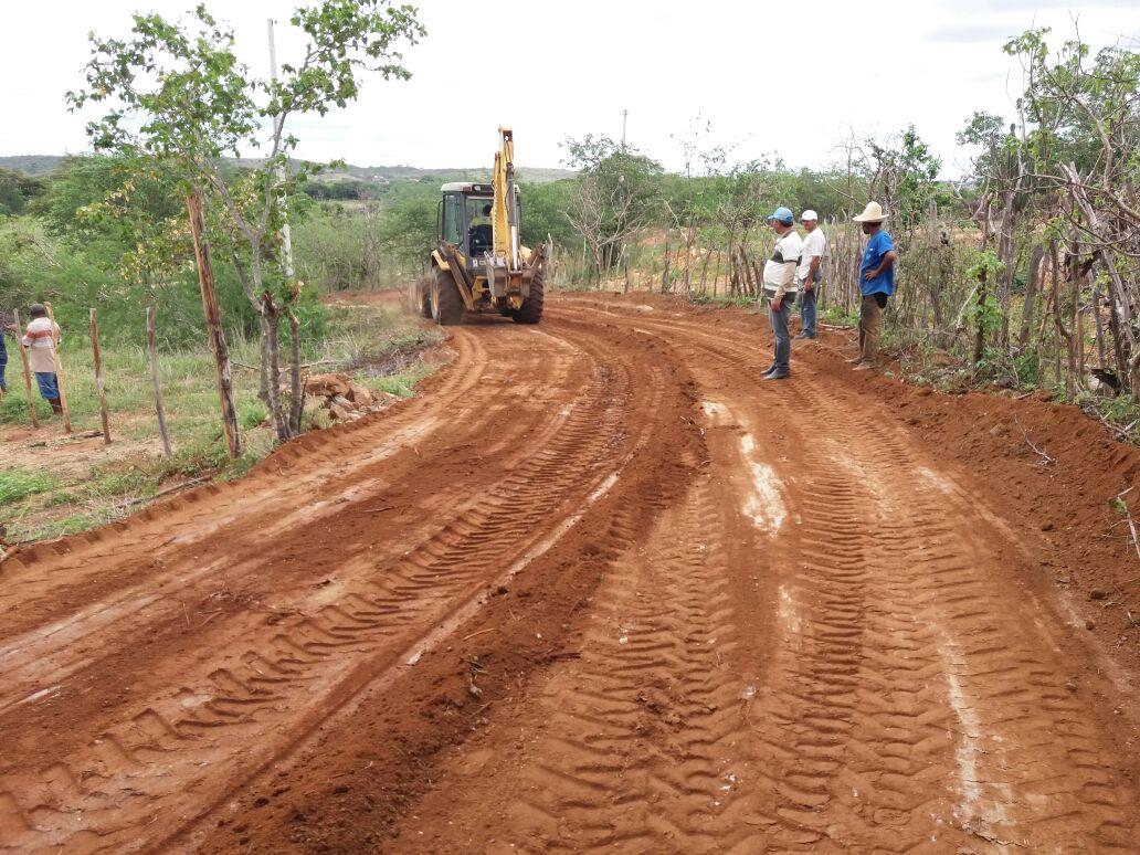 estradas_patrolamento Prefeitura de Monteiro realiza mais uma edição do programa Cidade Bela no Campo