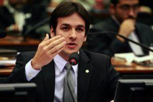 """pedro-cunha-lima-300x200 Após voto contra Temer, tucano nega integrar a oposição: """"Devo ter uma posição de maior independência"""""""