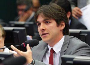 timthumb-15-1-300x218 Após voto contra Temer, Pedro se posiciona na oposição