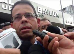 201711211008090000007978-300x219 Vereadores aprovam pedido de afastamento de Luiz Antônio