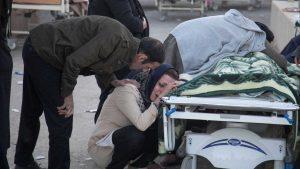 naom_5a095b1c2d092-300x169-300x169 Mais de 330 morrem em terremoto no Irã
