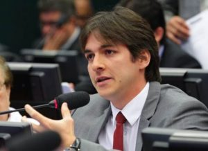 timthumb-4-5-300x218 Pedro Cunha Lima é escolhido o 6º melhor deputado do País