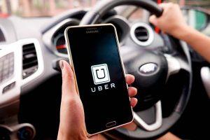 uber-1-1-300x200 Motorista do uber leva 'cantada' e conduz passageiro para a Central de Polícia em João Pessoa