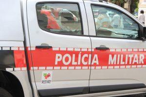 viatura_da_pm_walla_santos2-300x200 Homem que tinha mandado de prisão em Monteiro morre durante tiroteio em PE