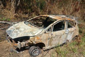 whatsapp_image_2017-11-12_at_104247-300x200-300x200 Corpo carbonizado é achado dentro de carro na PB