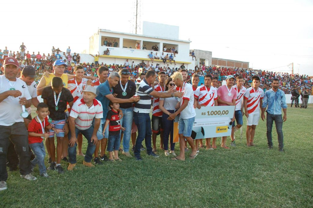 25398299_1994234954183027_5229630356441371243_o-1024x681 Com Feitosão lotado, Sítio do Meio é campeão da Copa Dr. Chico de Futebol Amador