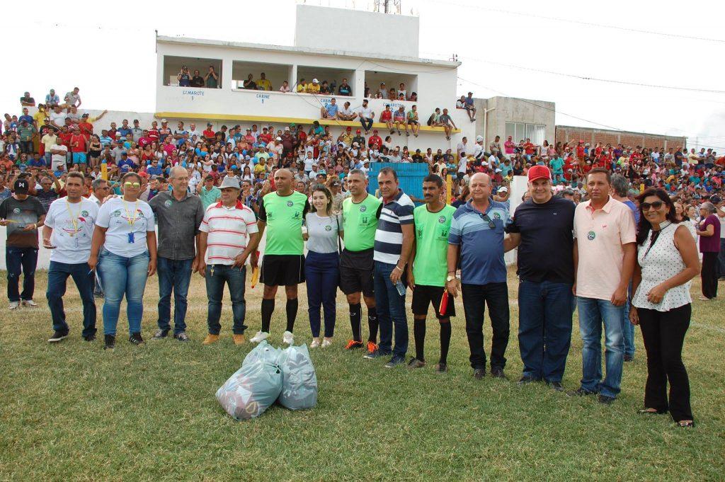 25398357_1994226300850559_6059335893048036278_o-1024x681 Com Feitosão lotado, Sítio do Meio é campeão da Copa Dr. Chico de Futebol Amador