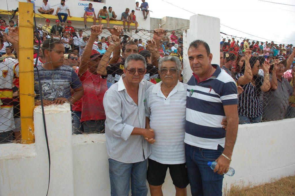 25487525_1994227967517059_57582489416733479_o-1024x681 Com Feitosão lotado, Sítio do Meio é campeão da Copa Dr. Chico de Futebol Amador
