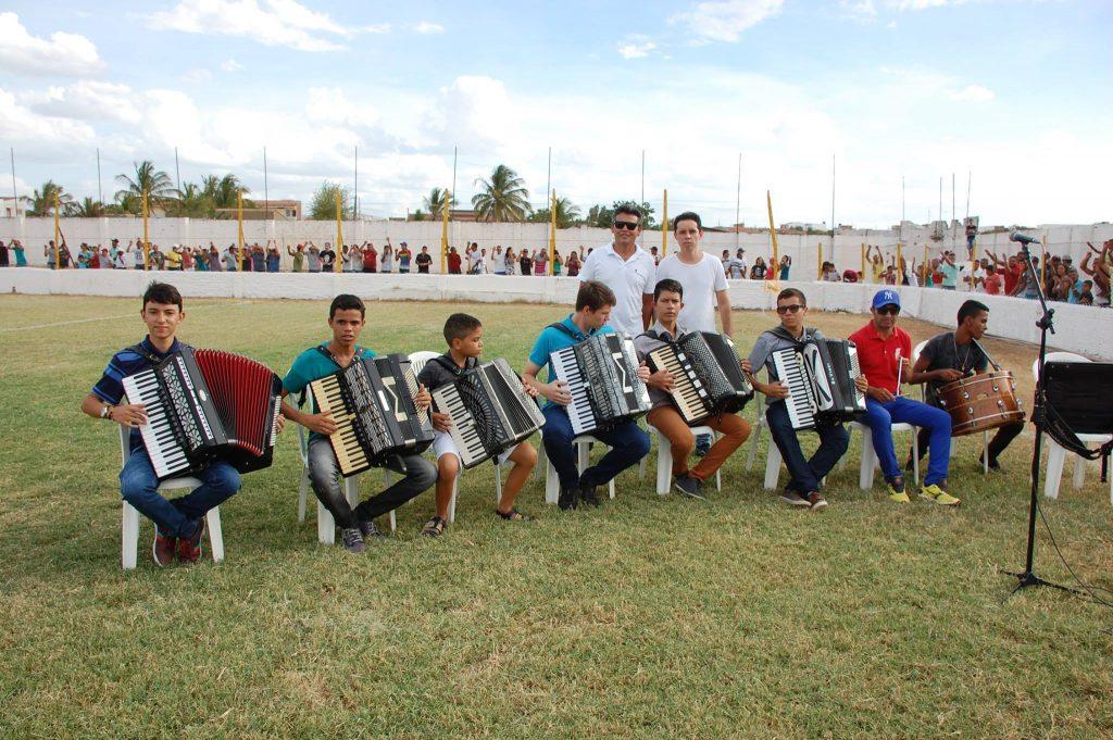 25487532_1994227450850444_7238229634216144241_o-1024x681 Com Feitosão lotado, Sítio do Meio é campeão da Copa Dr. Chico de Futebol Amador