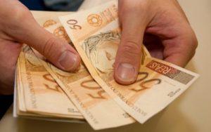5-FORMAS-FOTO-DE-CAPA-E-FOTO-02-400x250-300x188 Ricardo anuncia antecipação do pagamento do décimo terceiro salário