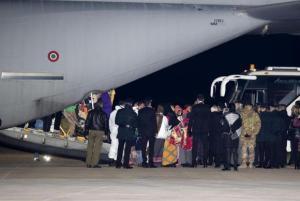636495706360954741w-1-300x201 ONU retira refugiados da Líbia para Itália