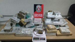 IMG-20171130-WA0027-696x392-300x169 Polícia prende mulher com 25 kg de maconha, em JP