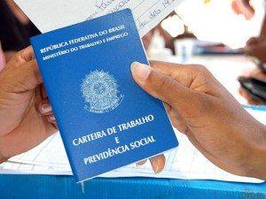 carteira-de-trabalho-300x225 PB: 274 mil trabalhadores faltam sacar abono salarial do PIS/Pasep