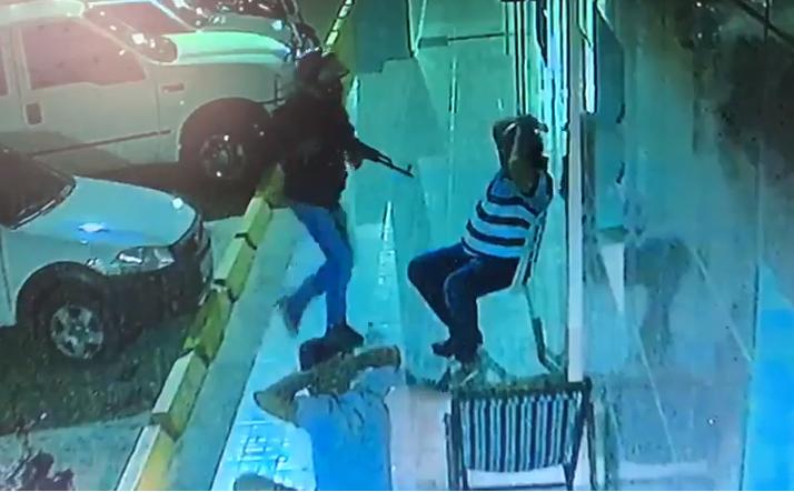 pp Bandidos assaltam várias pessoas e tenta assaltar Posto de combustível em Monteiro. Veja vídeo