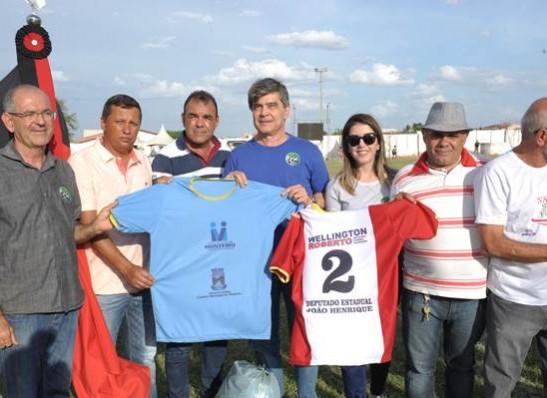 timthumb-1-3 Com Feitosão lotado, Sítio do Meio é campeão da Copa Dr. Chico de Futebol Amador