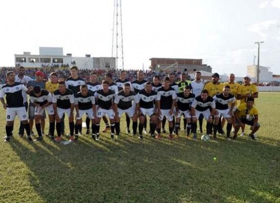 timthumb-2-4 Com Feitosão lotado, Sítio do Meio é campeão da Copa Dr. Chico de Futebol Amador