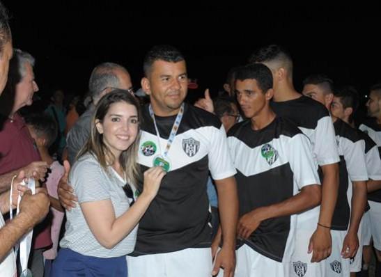 timthumb-5-3 Com Feitosão lotado, Sítio do Meio é campeão da Copa Dr. Chico de Futebol Amador